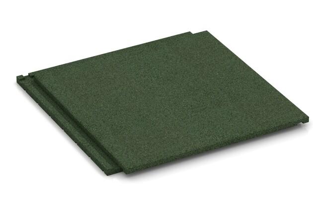 Fallschutz-Treppenbelag von WARCO im Farbdesign grasgrün mit den Abmessungen 500 x 500 x 30 mm. Produktfoto von Artikel 1885 in der Aufsicht von schräg vorne.