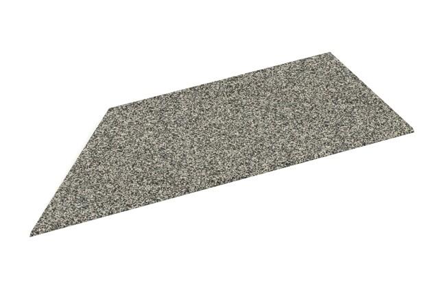 linke Eck-Keilhälfte von WARCO im Farbdesign Heller Granit mit den Abmessungen 750 x 300 x 25/8 mm. Produktfoto von Artikel 2104 in der Aufsicht von schräg vorne.